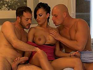 Mela The Amazing Brunette Gets Fucked In Both Holes In MMF
