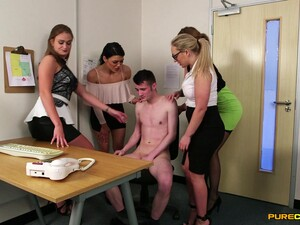 Dude Sits On A Chair While Amber Deen And Other Girls Mock Him