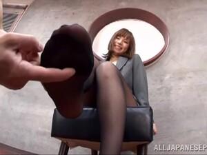 Kinky Japanese Girl Suzu Tsubaki Gives A Footjob In POV Video