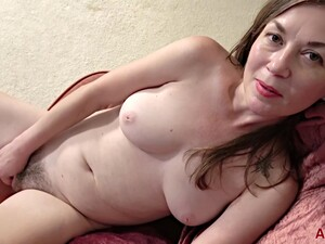 Olivia Johnson - Interview - Olivia