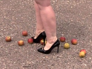 Crush Fetish Outdoors Fat Legs In High Heel Shoes Crush Apples
