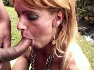 After Kissing Her Stud Ladyboy With Nice Bum Gives A Good Blowjob Outdoors