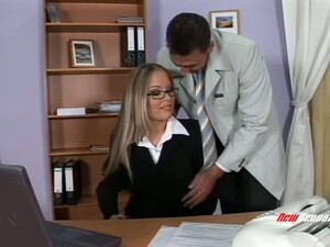 Professional Blonde Bitch With Big Tits In A Threesome
