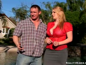 Nice Blonde Chick With Big Boobs Gets Pounded Outdoors