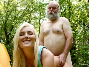 Took Pity On Old Man And Fucked Her Outdoors With Lovita Fate