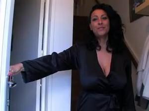 Teyze,İngiliz pornosu,Casus,Röntgenci