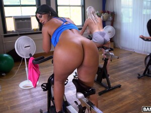 Fit Latina Chick Monica Asis Gets Fucked By Her Trainer In The Gym