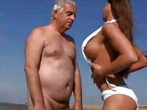 Big Boobs Girl Fucking Old Man On The Beach