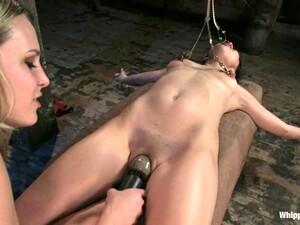 BDSM,Bondage,Dominacion femenina,Strapon,Juguetes