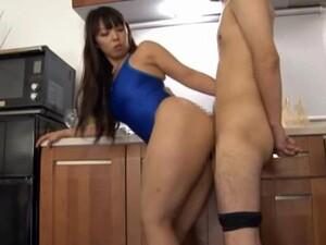 Ryoko Murakami Teases A Dick In A Sexy Swimsuit