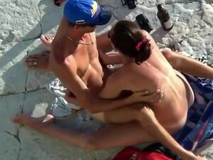 La plaja,Sex afara