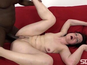 Sexy Housewife Copulates Brunette Mature