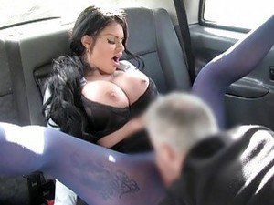 Sexy Tattooed Bimbo Gets Fucked Super Hard In The Backseat