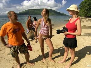 Gagica,La plaja,Bikini,Sex in grup,Rase