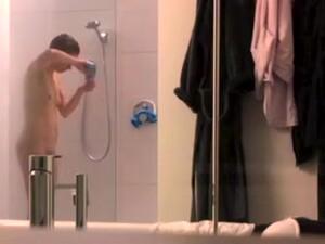 隠しカメラ,シャワー