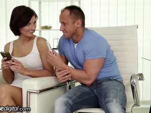 Horny MILF With Juicy Ass Jennifer Jane Is Addicted To Hard Anal Fuck