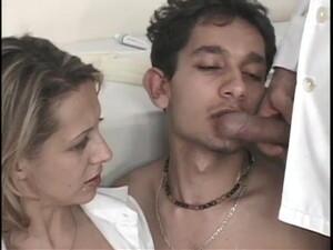 Бисексуалы,Глотать сперму