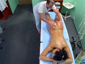 Nurse Vanessa Gets A Massage And Fucking From Her Horny Doctor