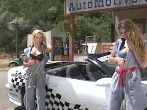 مص,سيارة,بنتين مع شاب,سكس خارجي,عتيق