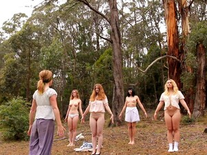 Sweet Babes Take Off Their Panties For Outdoors Yoga Session