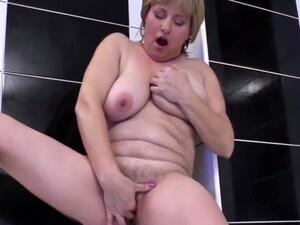 Ramira B - Alone In The Bath
