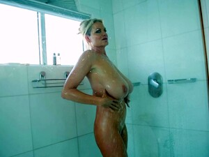 Kelly Madison Lets A Guy Fuck Her Nice Face With His Boner