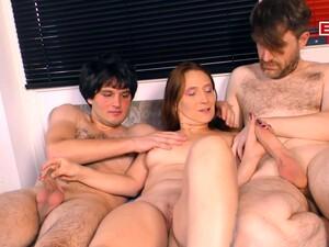 Немецкое порно,Домохозяйка,С двумя парнями,Вечеринка,Свингеры