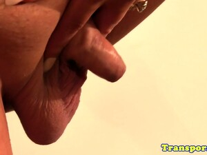 Bootylicious Tranny Jerking Her Dick
