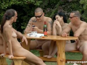 Betrunken,Gruppensex,Orgie,Party,Schwimmbad