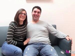 Dreier,Brünette,Von hinten,Jeans,Orgasmus