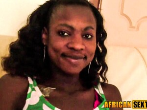 Soft Smiled African Babe Cock Sucking
