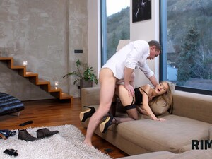 RIM4K. Slender Stunner Meets Her Man And Eats Him Out Right Away