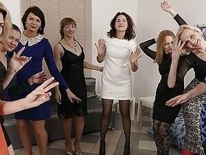 Mulheres maduras,Dona de casa,Lésbicas,Mães,Esposa