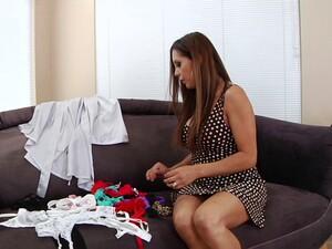 Cougar Francesca Le Seduces The Stud For A Big Cock Fucking