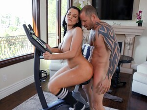 Smooth Fucking With Fit Girl Mona Azar Ends With Cum In Mouth