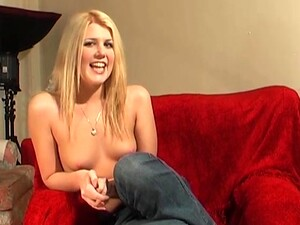 Small Tits Blondie Lara Lee Enjoys Pleasuring Her Cunt With A Dildo