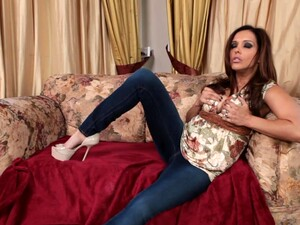 Horny Cougar Francesca Le Gives Head And Rides His Rock Hard Dick