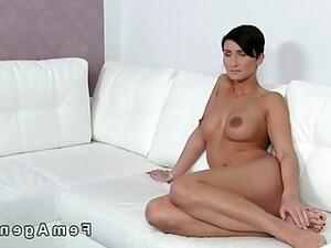 Short Haired Amateur Licks Her Agent