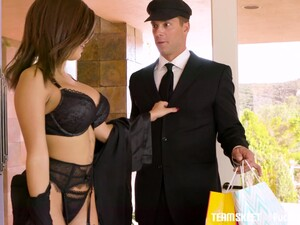 Gorgeous Wife Aaliyah Hadidis Cheating On Her Husband With His Driver