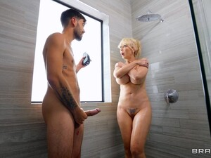 Hardcore MMF Threesome With Horny MILF Nade Nasty Being Fucked