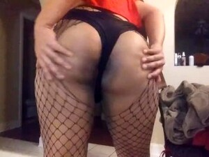 Thicc Latina Femboy Shaking Ass (more On My Onlyfans)