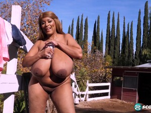 Africa Sexxx: Country Girl