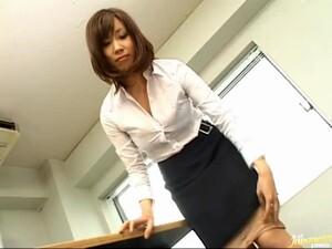 Cute Asian Gal Gives A Nice Blowjob