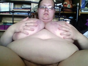 Chubby Nerdy Webcam Fatso Pumps Her Cunt And Masturbates It For Me
