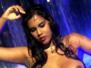 The Beautiful Girl From India Dances And Showing Her Body