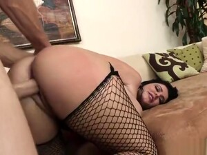 Awesome Breasty British Mom Sophie Dee Having An An Amazing Hardcore Sex