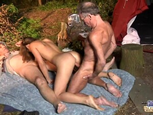 Sex in trei,Suge pula,Muie adanca,Om batran,Sex afara
