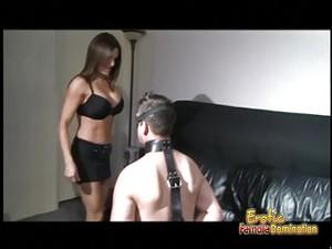 支配,女生控制,捆绑式假阴茎