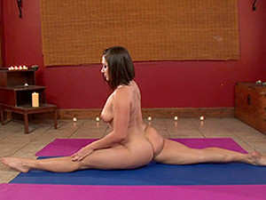 Flexible Curvy Girl Does Yoga In The Nude And Gets Laid