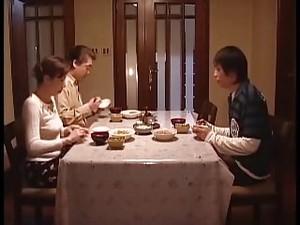 Азиатская мама